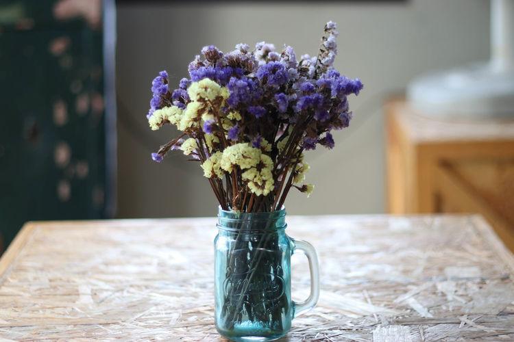 Bouquet Close-up Day Flower Flower Arrangement Flower Head Fragility Freshness Horizontal Indoors  Nature No People Table Vase