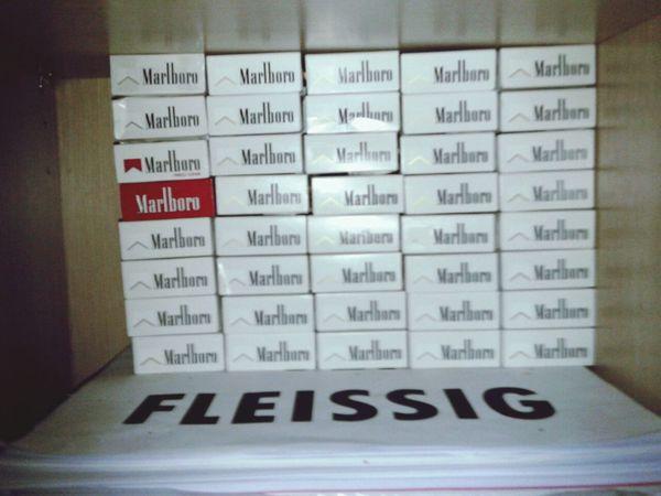 Cigarettes Marlboro