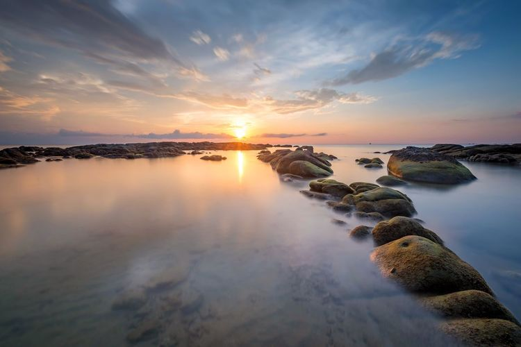 Beautifully Organized Nature Sky Sunset Sun Cloud - Sky Rock Mossy Rock Beach rock
