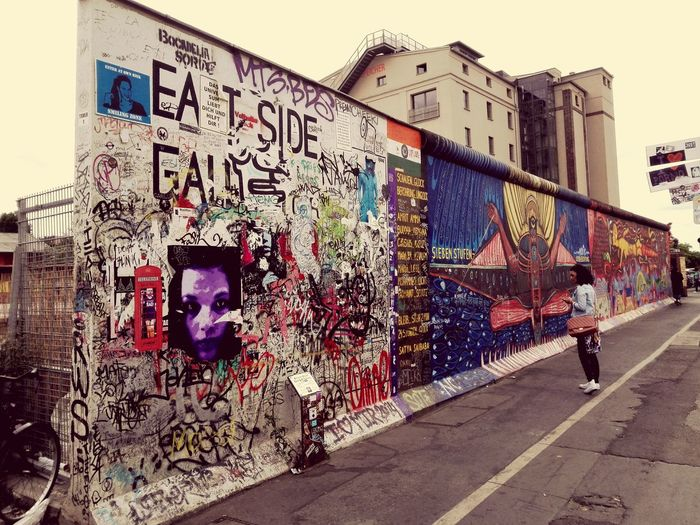 Thewall Berlin Historyclass Neveragain Hanging Out Getdown Deuscheland