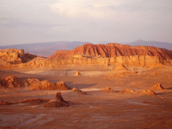 Valle de la luna - atacama desert - chile