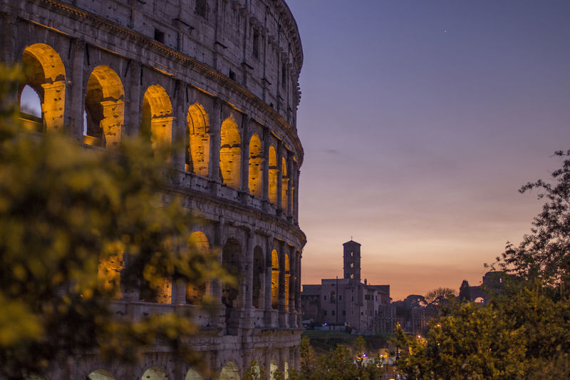 Das Kolosseum in Rom im Sonnenuntergang. First Eyeem Photo Springtime Travel Tourism No People Old Ruin Monument Rome Summer Italy Beautiful Roma Sunset Coloseum