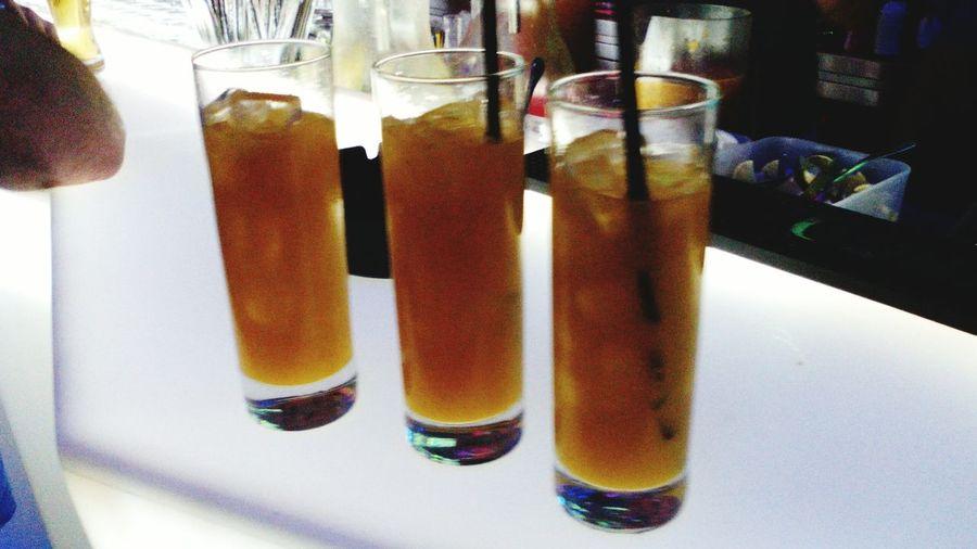 Poncha de maracujá e tangerina. Baixa do Porto Drinking Poncha Porto Ponchatangerina é Praponcha Friends Night