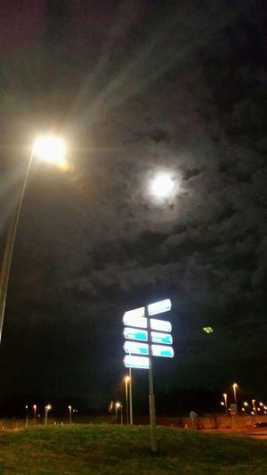 Beijum Onmywayhome Nachtfotografie Moon Wich Way??? NoEditNoFilter Myfuckinggroningen