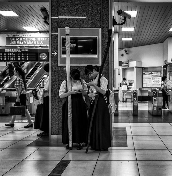 Traditional Art Modern Life Japan Japanese  Japan Photography Streetphotography Streetphoto_bw Monochrome Blackandwhite People Culture X70 FujiX70 FujifilmX70 Fujifilm_xseries Fujiusers Fujifilm Cooljapan