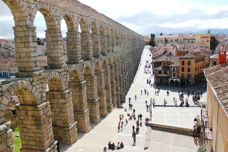 Segovia SPAIN Spanish España Beautiful Cityscape Urban Exploration Old Buildings Exploring Enjoying The View Urban Geometry Town Old Town Aqueduct Aquaduct Roman Architecture Large Construction Impressive High Angle View Historical Summer Holiday