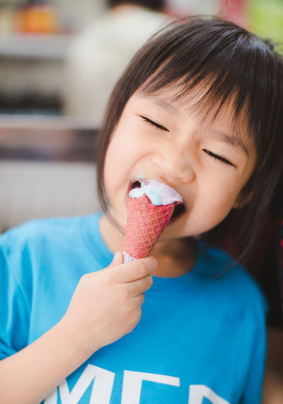 Sweet Food Child Childhood Ice Cream Sweet Frozen Food One Person Dairy Product Frozen Focus On Foreground Food And Drink Indulgence Front View Food Holding Temptation Portrait Girls Females Innocence Cute Ice