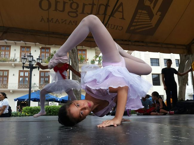 Hello World Dance Street Art Fun! Panamá Ballet HipHop Ballerina Love Flexible