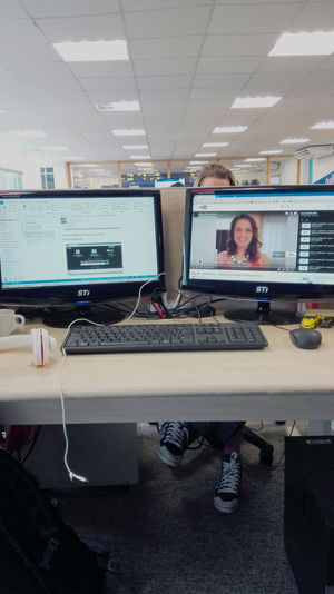 Bora trabalhar! Andrevieira Computer Desktop Pc FotoTrabalho Photography Technology Using Computer Working Portrait Photography Photoworks