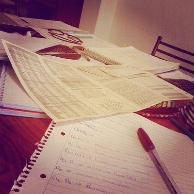 Mañana final de química. Auxilio