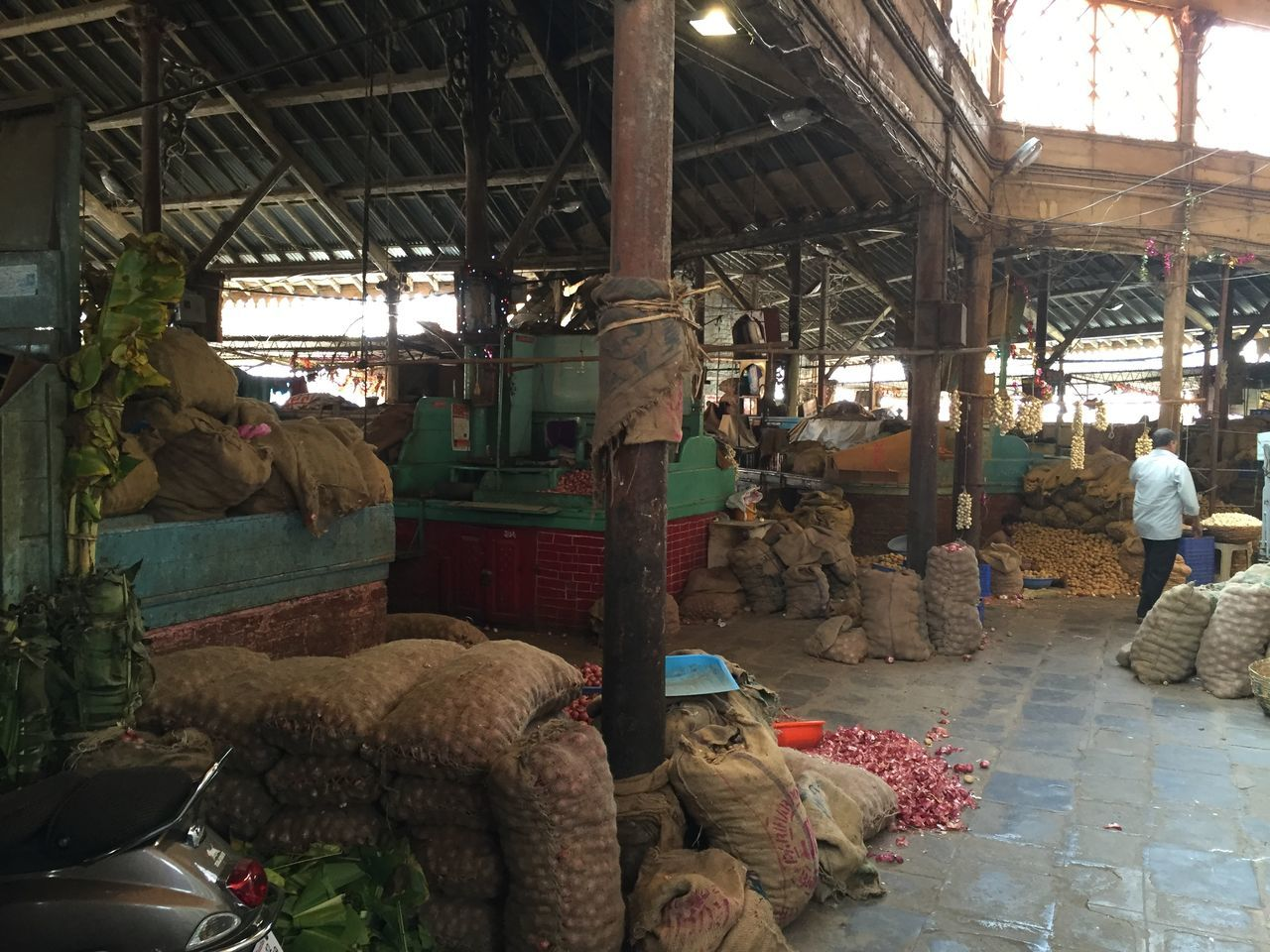 market, real people, indoors, men, day, architecture