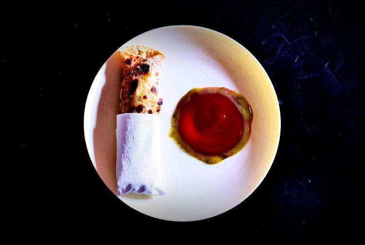 Fresh & Homely made Egg Roll with Tomato Ketchup & Green Chilli Sauce 😋🍳🍕🍻 10 Homemade Tomato Sauce Black Background Breakfast Chilli Sauce Close-up Crockery Directly Above Egg Roll Food Food And Drink Freshness High Angle View Indoors  Plate Ready-to-eat Refreshment Table Temptation Tomato Ketchup EyeEmNewHere