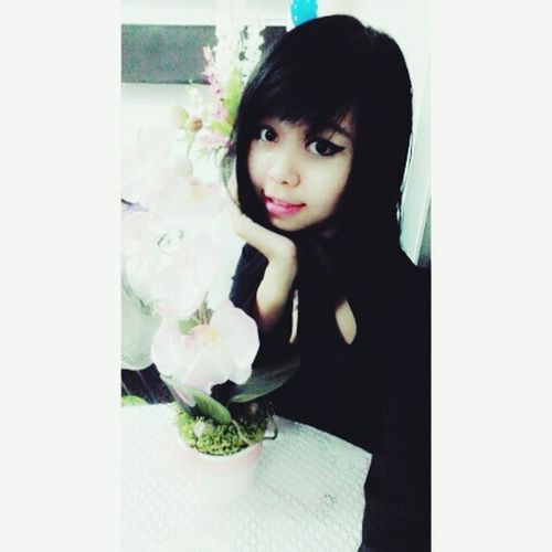 Girl wif orchid 😍