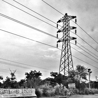 My obsession with power lines seems never ending @delhigram Mi4i Phoneonly Xiaomipics HDR Photooftheday Grid Lines Gramoftheday Blackandwhite DelhiGram