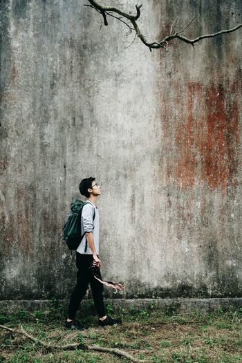 Art Photography Teenager Casual Clothing Beautiful People One Person Lifestyles Young Adult Portable Information Device Outdoors People Real People Analogue Photography Nature_collection Capture The Moment Hongkongphotography Discover Your City One Man Only Vscoartist Portrait Of A Man  PortraitPhotography ExploreEverything Exploring New Ground Relaxation Exploring Nature