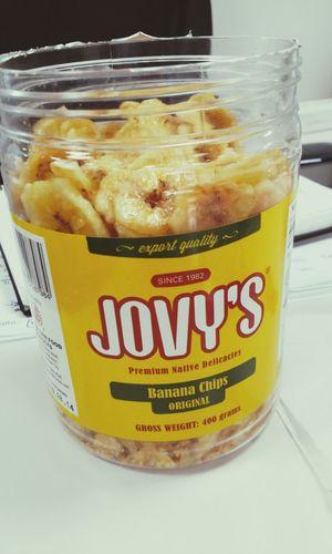 악마의 과자를 발견랬다. 한 번도 안먹어 본 사람은 있어도 한 번만 먹은 사람은 없다던 과자류인갑다.. Jovy's 바나나 과자