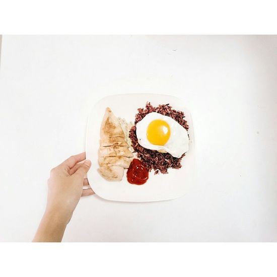 Simple ⚫ง่ า ย ๆ | ค ลี น ๆ . . . . . Delicious Food Free Freedom Life Photooftheday Vscocam VSCO Thinkpossitive Feeling Feel Thailand Happy Family FamilyTime Thai Thailand Lunch Lunchtime Cleanfood Eggs Chicken Steak Chickensteak Enjoy enjoyeatingcookcooking