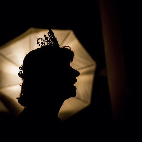 She, no lights and the crown Silhouette The EyeEm Facebook Cover Challenge The Portraitist - 2014 EyeEm Awards
