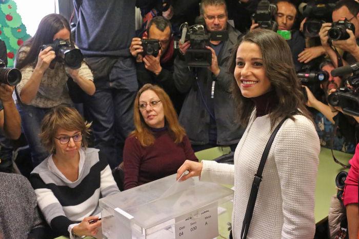 Candidate from Ciutadans Inés Arrimadas, votes for the Generalitat, in a school of Barcelona, Catalunya, today, december 21st., 2017. 155 Law Arrimadas Barcelona Ciutadans Ctalunya Elections Generalitat De Catalunya Politics SPAIN