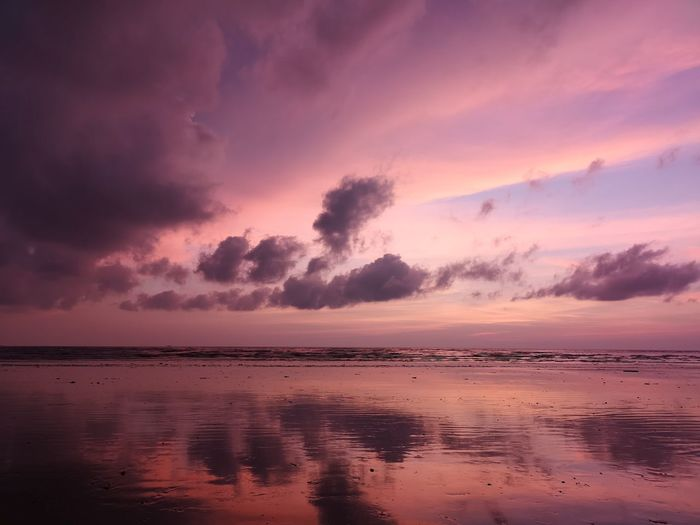 Colours of the sky Malaysia Sabah Sabah Borneo EyeEmNewHere EyeEm Selects Water Sea Sunset Beach Low Tide Blue Pink Color Sunlight Reflection Sun