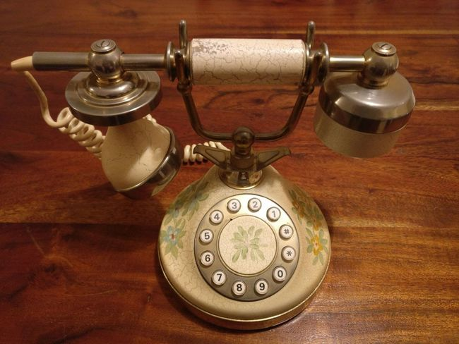 Squilli dal passato. Antique Close-up Handset Lieblingsteil Objects Old-fashioned Phone Retro Styled Rings Technology
