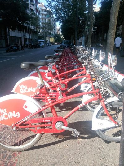 Barcelona Biciclette Colorate Citta City Street No People Red Rosso SPAIN Sstree Street Photography Streetphotography Transportation Viaggi EyeEmNewHere