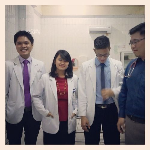 With the boyz...kurang dr.ariawan ciputra, dr.hamilton lowis, dr.edward julio.. Friends Fkuntar Doctors Hospital sentramedikacisalak