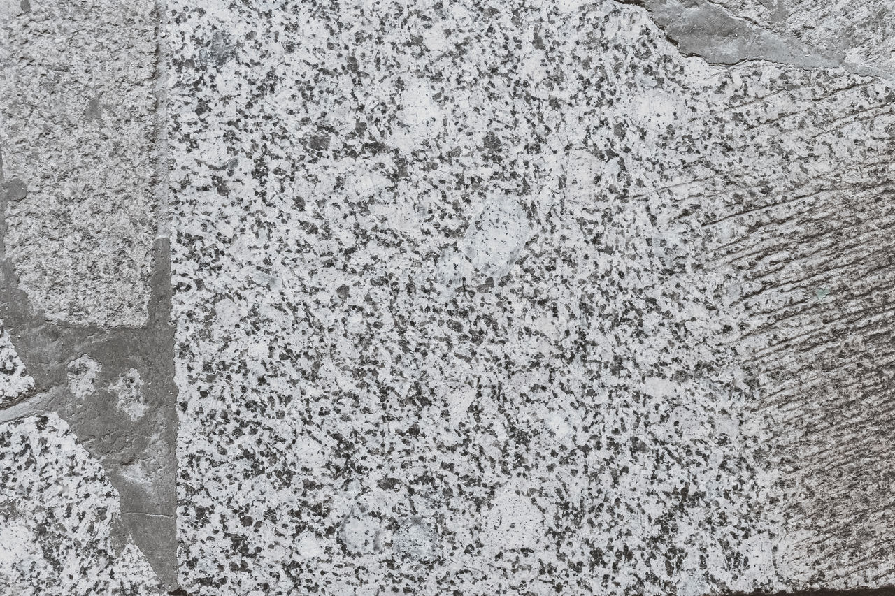FULL FRAME SHOT OF SNOW COVERED WALL