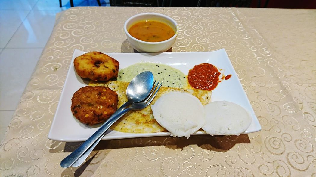 Food And Drink Food Table No People Plate Healthy Eating Freshness Ready-to-eat Indoors  Fruit Dessert Tablecloth Sweet Food Day Close-up Sambar Chatni Vada Wada Dose Dosai Dosa Idli Southindianfood