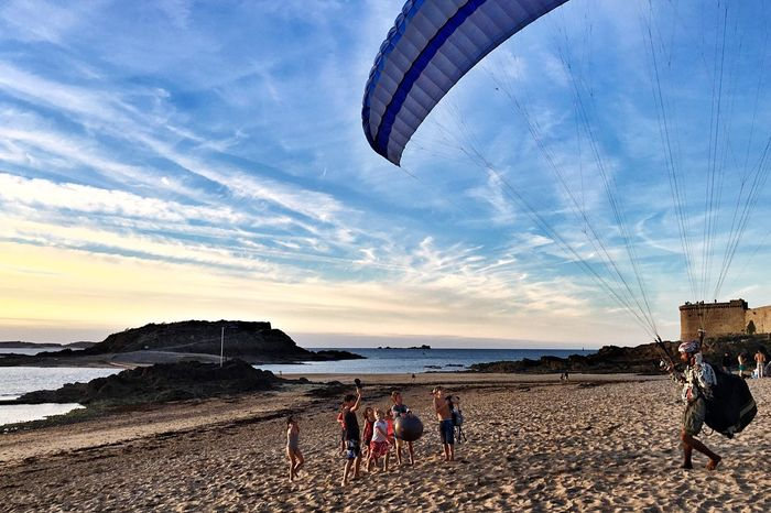 Go In the air... Flying Beach Leisure Activity Sunset Parachute Capturing Freedom Life Is A Beach Extreme Sports Capture The Moment Colorful Performance In The Air The Color Of Sport
