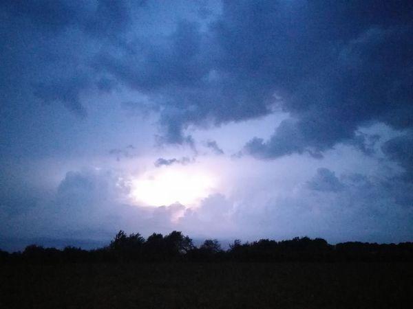 Weather Highlight ;-) Lightning Clouds And Sky Flash Cloudy Sky Taking Photos Night Night, Sleep Tight