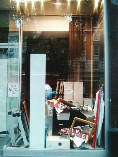 Sales Discount Close Down Shop Closure Remains Rubbish London Kensington