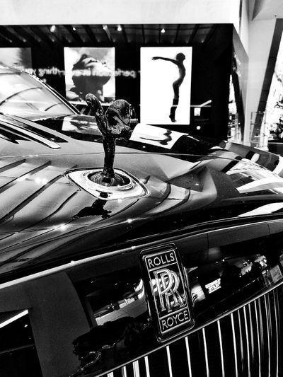 Rolls Royce Rolls-Royce Wraith Spirit Of Ecstasy Black And White Friday