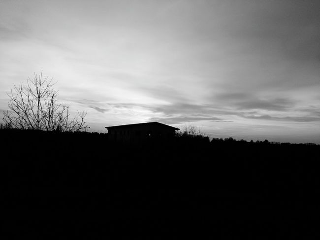 Emilia Romagna Black House Black&white Blackandwhitephotography Black And White Photography Blackandwhite Photography Black & White Black And White Blackandwhite Sun Travelshoot Black Sunset Italy