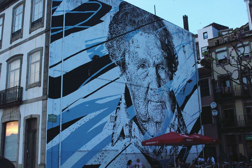 One more this time an old lady in blue shades. Art Is Everywhere Urbanartphotography Graffiti Photography Oporto, Portugal Porto _Portugal Oportolovers Oporto Artistic Photography Graffiti & Streetart Streetphotography Street Art Love Photography Art Photography Urban Photography Artoftheday Canonphotography Urban Art Arts Culture And Entertainment Porto