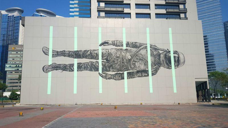 Hello there Mister Astronaut! 👋 BGC Taguig Wall Art Astronaut Building Exterior Wall Mural