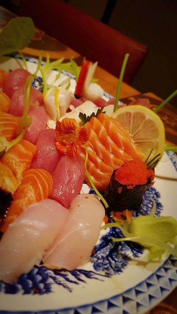 Sushi Japanese Food Sashimi Dinner Fish Dinner Dinner Time Sashimi, Nigiri & Sushi Night Food And Drink Food Ready-to-eat Freshness Still Life Indoors  Healthy Eating SLICE Serving Size Plate No People Seafood Indulgence Fruit Appetizer Close-up Day Brasil Adventures In The City