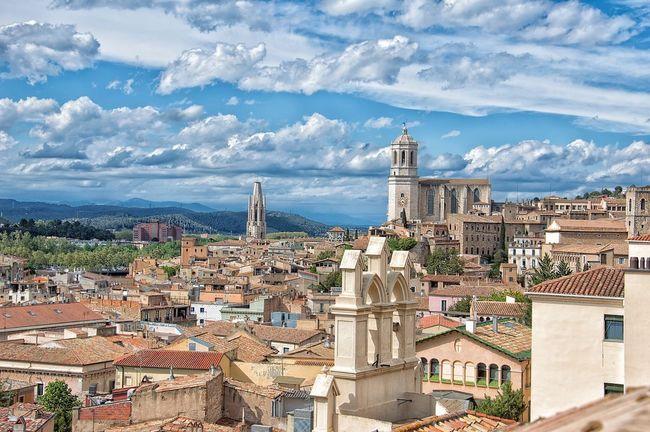 Torres Girona Arquitectura España🇪🇸 Cataluña Edificios Y Fachadas Panorámica