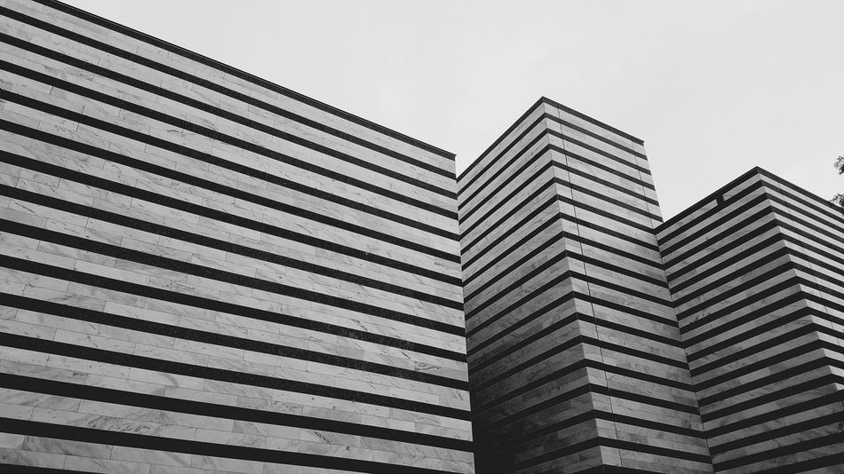 Walking around a museum enjiying the evening Cleveland Museum Of Art Art Museum Evening Stroll Art Musical Downtown Cleveland University City Building Exterior Abstract Photography Architecture Details Black And White Architecture