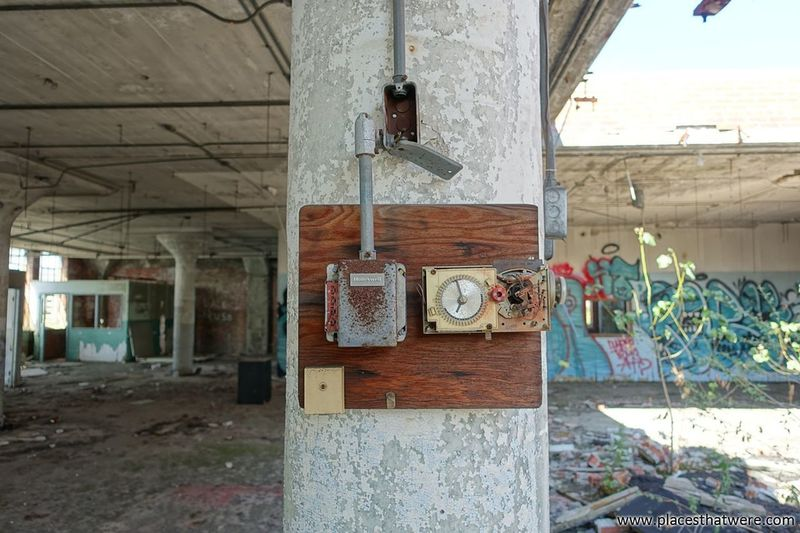 Honeywell. www.placesthatwere.com Thermostat Thermometer Honeywell Architecture Decay Eerie Urban Exploration Abandoned Factory Abandoned Building Urban Decay Ruins Abandoned Ohio Urbex Abandoned Factory Building Abandoned & Derelict Abandoned Buildings Abandoned Places Creepy Cleveland Columns Ruined Damaged Rust Belt