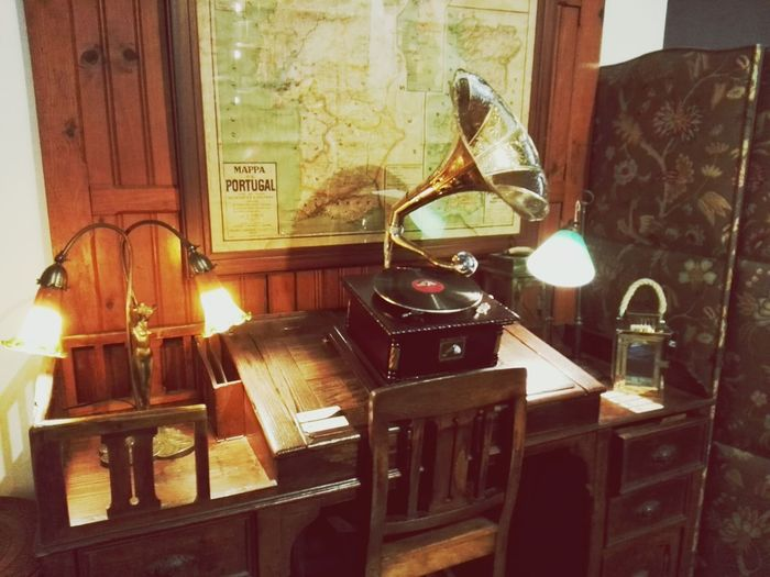 Music Musical Instrument Indoors  Home Interior No People Table Piano Gramophone Day Porto AVidaPortuguesa Old Vintage