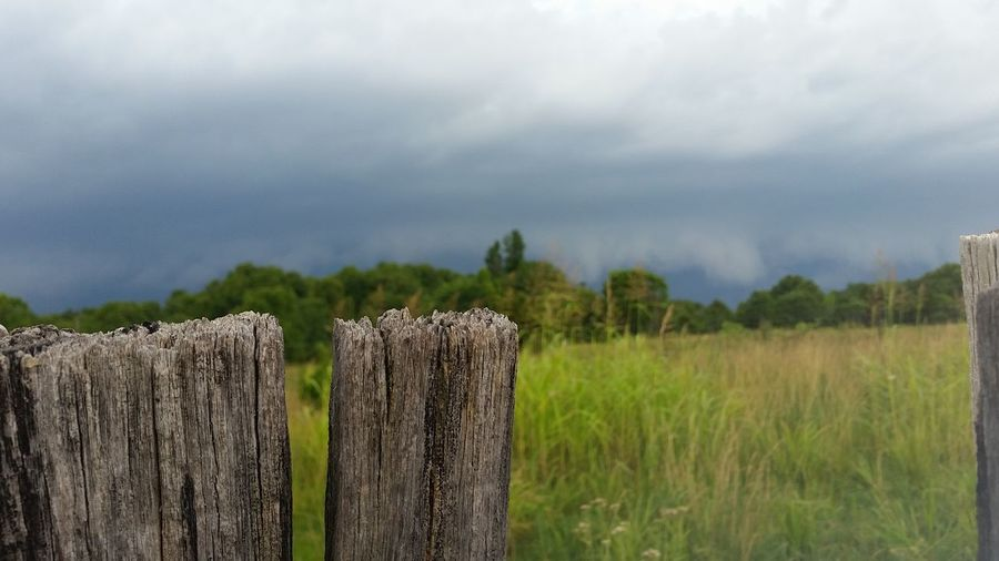 Missouri Ozarks, USA 💥💖 Storm Front Wooden Fence EyeEm Selects Sky Grass Close-up Cloud - Sky Landscape Farmland Agricultural Field Growing Wooden Post Fence