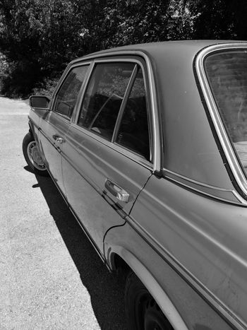 "Time goes by, ""Benz"" is holding on.. Oldtimer Mercedesbenz Retro Styled Car W123  Leicaoptics"