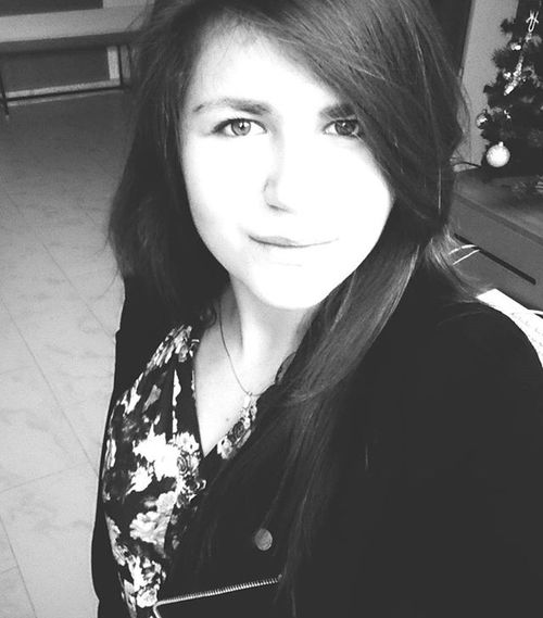 Look to the future with hope...only what was left. Blackandwhite Morning Lookintomyeyes Thinking Polishgirl Poland