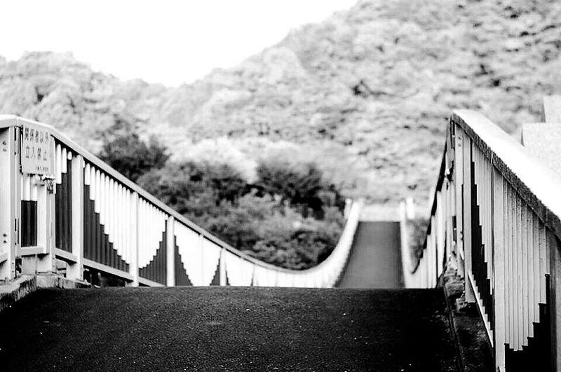 この Snapshot は Carl Zeiss Jena Sonnar 8.5cmのレンズを使って り撮りました 古い レンレンズ moMonochrome 良いです。...ふぅ〜(-。-; えっと、撮影場所は 日本日本 語で JaJapan 千葉千葉県 津君津市 す。以上!