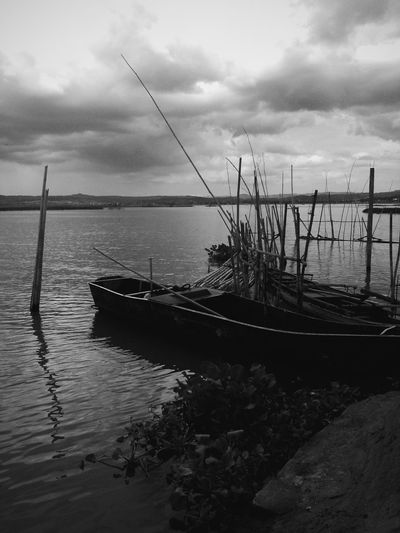 Love is not a choice 💔💪👊 Blackandwhite Photography Love Your Black Calming Place Sea Is My Life Boat Dock Alone Where Is The Sun? View Of Mountains