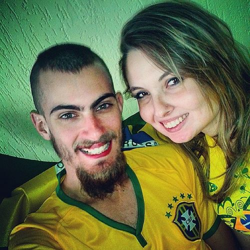 VAI BRASIL!!! Ah, e feliz dia dos namorados, monga! Haha VaiterCopa  Brasilêô Vaicaralho Brasil2014