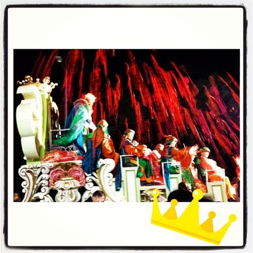 Cavalcada de Reis 2014 Cavalcadadereis 2014 Terrassa Somnis caramels reis projectil tomahawk carrossa nitdereis demàtortell plujadecaramels patges nens moments adaigi