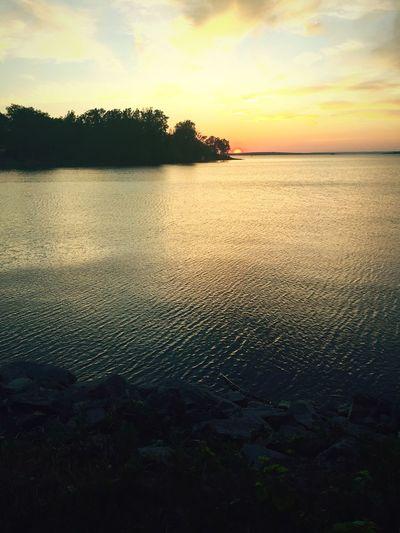 Sunset in the evening 😀 Sunset Night Nighyphotography Night Sunset Sky Night Sky Water River Ottawa Ottawa River
