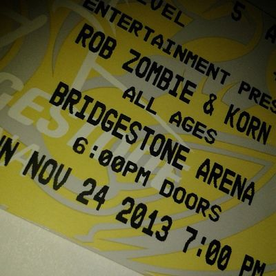 Omg! Early Christmas present! Omg! I'm so excited!!! Thanks Mike & Steph! Robzombie Korn Concert
